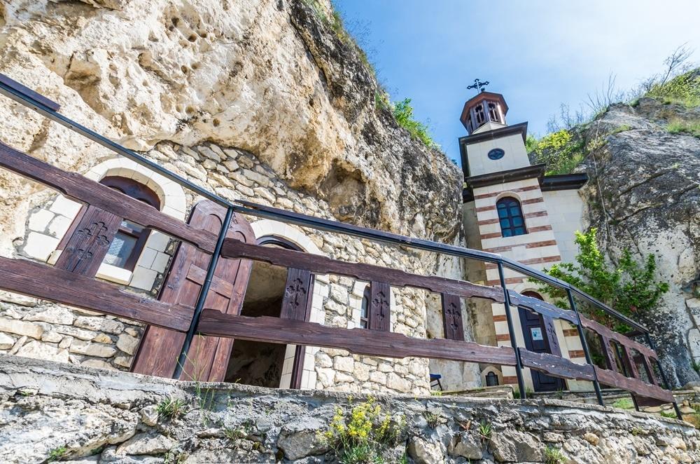 manastire basarabov bulgaria